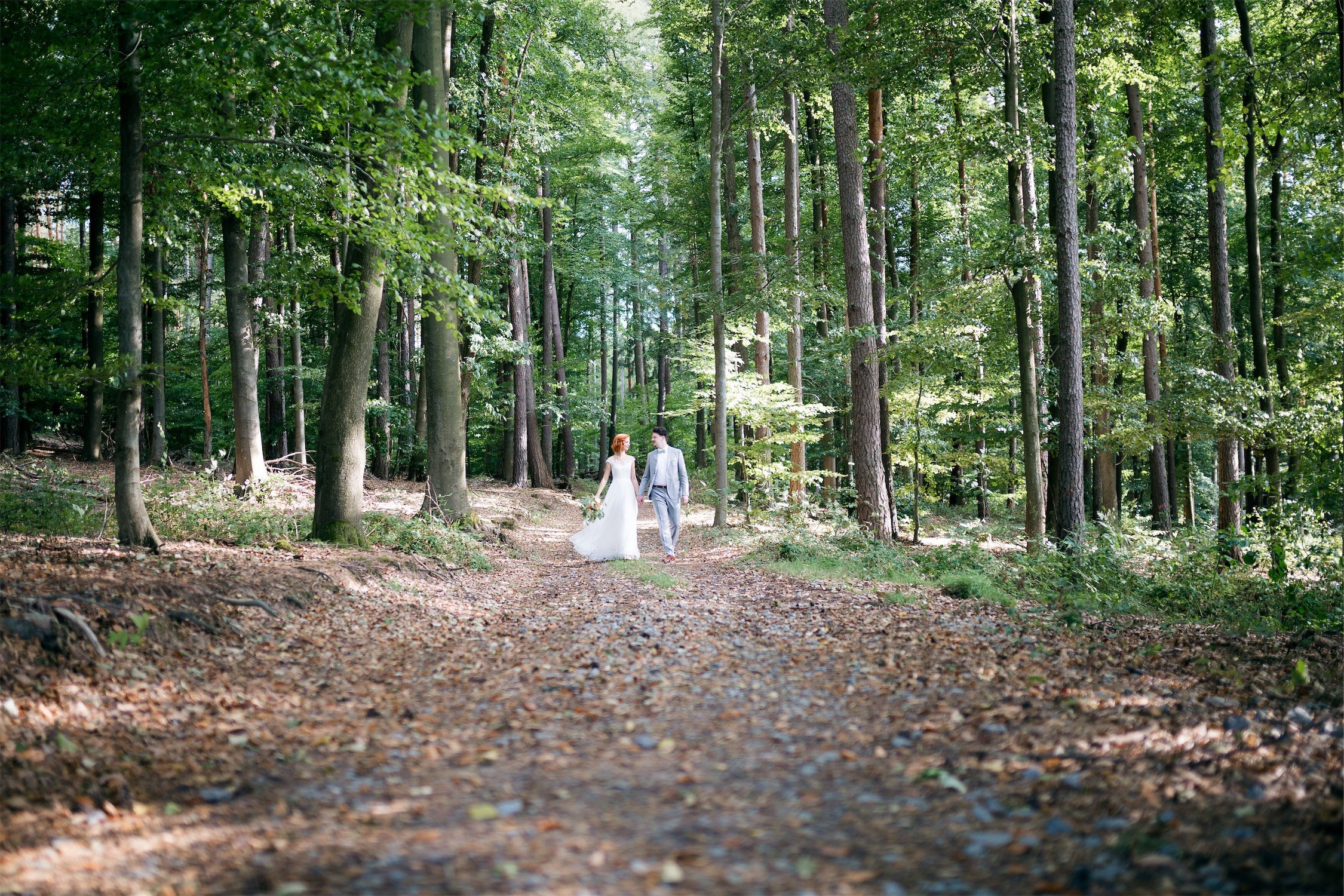 Hochzeitsfotos im Wald in Mönchberg